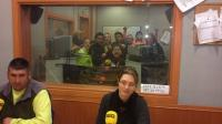Los chavales del Aula el Pedal visitan Radio Córdoba Cadena Ser