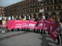 Representantes de Córdoba Solidaria, durante la presentación de la XX Feria en la plaza de la Corredera