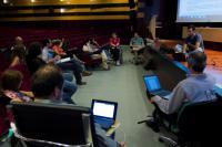 Participantes del encuentro de junio debaten las demandas frente a la ley