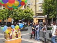 Miembros de Córdoba Solidaria en la acción de calle y presentación de la Feria
